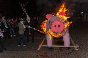 Knoerisverbranding @ Nieuwe markt (achter het gemeentehuis)